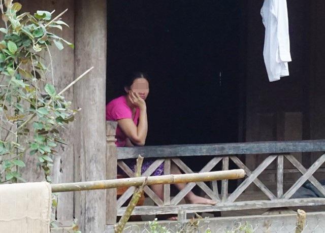 Nhiều phụ nữ miền núi nhẹ dạ, cả tin vào những lời hứa việc nhẹ, lương cao, cuộc sống sung sướng sẵn sàng đi Trung Quốc để làm việc mà không biết rằng mình có nguy cơ bị bán làm vợ hoặc bị bán vào động mại dâm