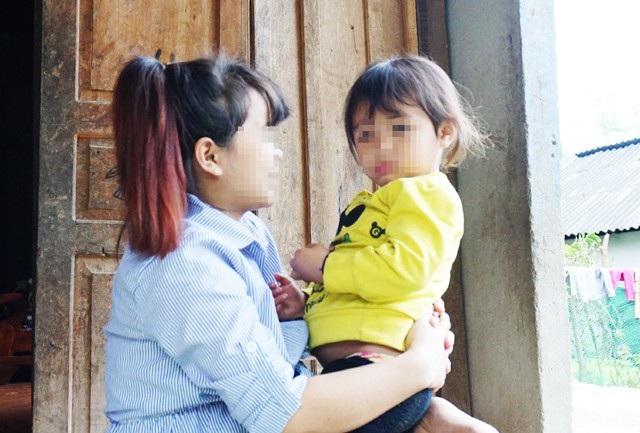 15 tuổi, Quang Thị May H. theo bạn bè sang Trung Quốc làm việc. Dù phải đối mặt với nhiều nguy cơ do là lao động bất hợp pháp nhưng với mức thu nhập bằng cả năm làm rẫy, H. và nhiều cô gái trẻ ở huyện miền núi Tương Dương vẫn tìm cách trốn sang Trung Quốc tìm cơ hội đổi đời