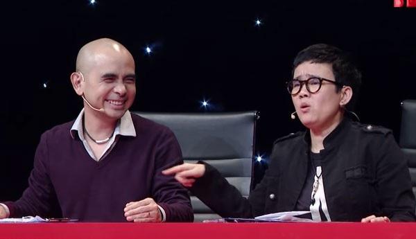 Trong chương trình Ban nhạc Việt vừa phát sóng, Đức trí nài nỉ Phương Uyên không nhắc đến Hồ Ngọc Hà.