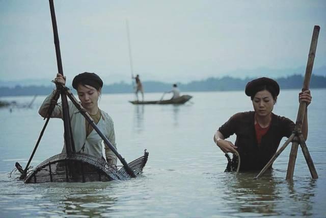 Bộ phim Thương nhớ ở ai là phim truyền hình cổ trang đầu tiên của Việt Nam sử dụng nhiều kỹ xảo hình ảnh nhất.