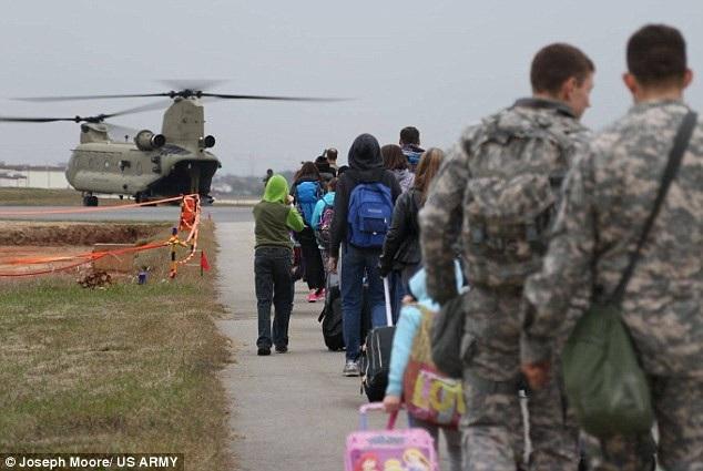 Quân đội Mỹ diễn tập sơ tán dân khỏi Hàn Quốc (Ảnh: US Army)