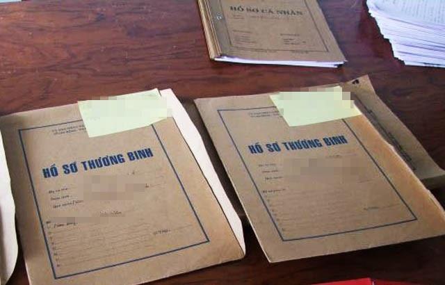 Bà Tạ Thị Vân đã nhận hàng trăm hồ sơ của các cựu chiến binh để chạy chế độ cho họ nhưng trên thực tế, người phụ nữ này không giải quyết được bất kỳ trường hợp nào như đã hứa (ảnh minh họa)