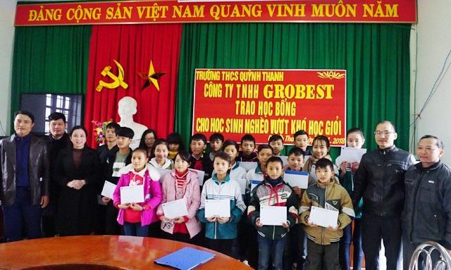 Trao học bổng Grobest Việt Nam đến học sinh nghèo Nghệ An - 4
