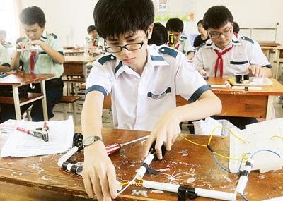 Dự thảo sửa đổi, bổ sung quy chế tuyển sinh THCS và THPT vừa được Bộ GD&ĐT công bố sẽ không cộng điểm khuyến khích thi nghề phổ thông trong kỳ thi tuyển sinh vào lớp 10 là phù hợp.
