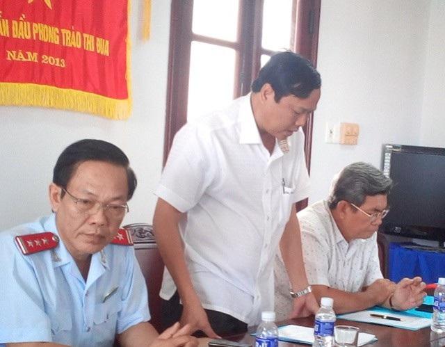Ông Trần Ngọc Ân- Phó Chủ tịch huyện Vĩnh Lợi cho biết qua xác định vết thương trên người do chính Phó Văn phòng huyện tự gây ra.