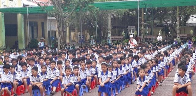 Tỉnh Cà Mau còn nhiều em học sinh có hoàn cảnh rất khó khăn.