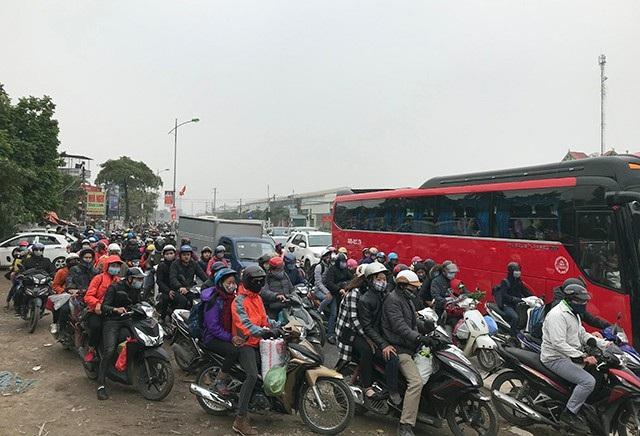 Quốc lộ 1 cũ đoạn qua huyện Thường Tín bị ùn tắc nghiêm trọng