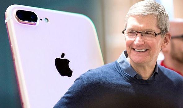 Các bản iOS mới bị than phiền rằng không có nhiều tính năng mới, lại giảm đáng kể hiệu năng của thiết bị.