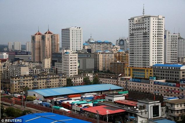 Một nhà máy ở Đan Đông, Trung Quốc (Ảnh: Reuters)