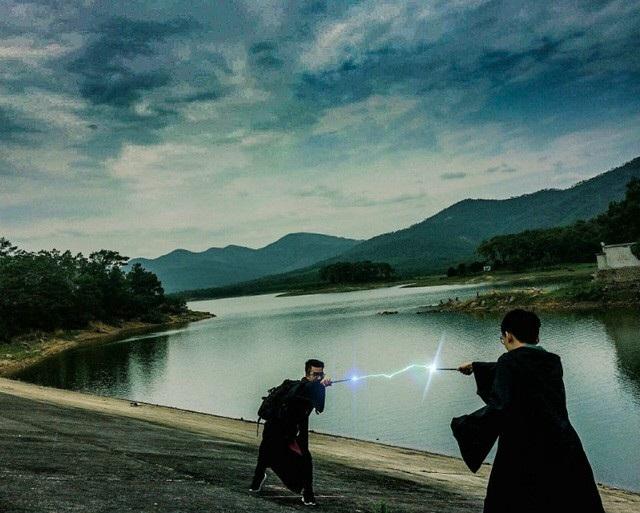 Xem thêm tại: Bộ ảnh kỷ yếu đậm chất Harry Potter của học sinh Hải Phòng