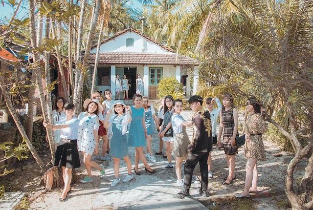 Xem thêm: Kỷ yếu như hình trên tạp chí du lịch của sinh viên Quy Nhơn