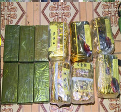 Tang vật gồm 6 bánh heroin và 6kg ma túy tổng hợp
