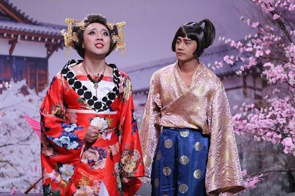 """Diện kimono cầu kỳ, Trấn Thành trở thành hoàng hậu của """"thái giám cận thần"""" Mai Tài Phến."""