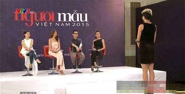 Sự trùng hợp thú vị khi Á hậu từng chấm thi Hoa hậu ở cuộc thi người mẫu trước đó.