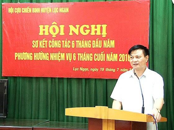 Ông La Văn Nam - Phó bí thư thường trực huyện ủy Lục Ngạn nhận hình thức cảnh cáo. (Ảnh: Cổng thông tin điện tử Lục Ngạn)