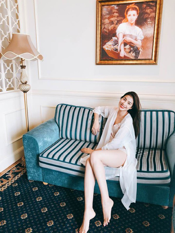 Hoa hậu Phạm Hương chia sẻ ảnh cuối tuần đầy an nhiên của mình