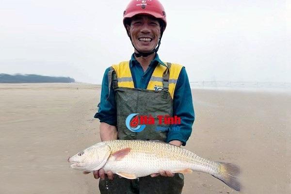 Ba lô 1,5 tỷ đồng mua con cá sủ vàng: Huyền thoại lộc trời - 2