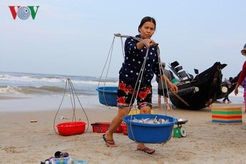 Ngư dân được mùa cá khoai.