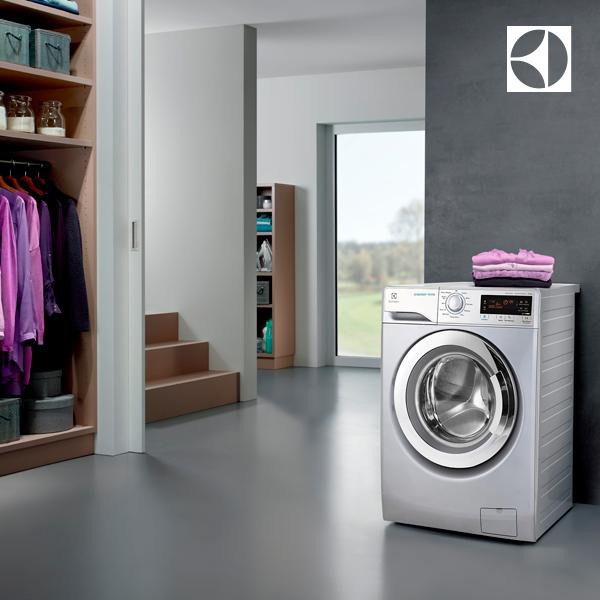 """Máy giặt Electrolux là """"cộng sự"""" đắc lực trong việc chăm sóc quần áo của Hà Anh và NTK Diệu Anh"""