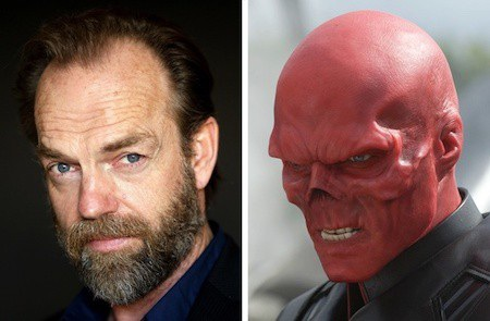 """Chắc chắn nhiều khán giả đã phải giật mình khi trông thấy tạo hình kẻ ác nhân Red Skull của nam tài tử Hugo Weaving trong phim """"Captain America: The first avenger"""""""