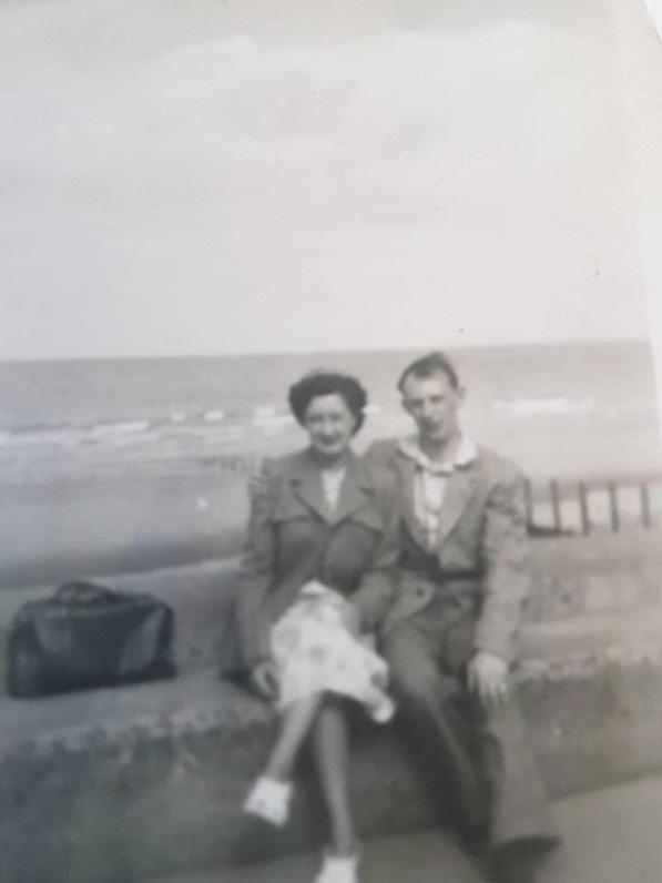 Cặp đôi khi còn trẻ