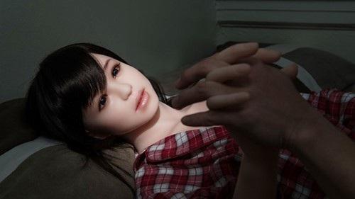 Chỉ tưởng tượng chồng âu yếm robot tình dục là tôi thấy lạnh toát (Ảnh minh họa IT)