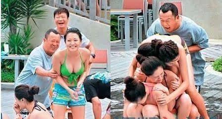 Ông trùm làng giải trí luôn được vây quanh bởi các cô gái trẻ đẹp