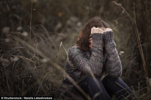 Thiếu nữ 14 tuổi được Facebook bồi thường vì ảnh khỏa thân của cô liên tục được chia sẻ lên mạng xã hội này (Ảnh minh họa)