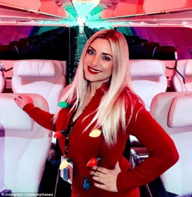"""Cuộc sống """"vạn người mê"""" của các nữ tiếp viên hàng không nóng bỏng - 3"""