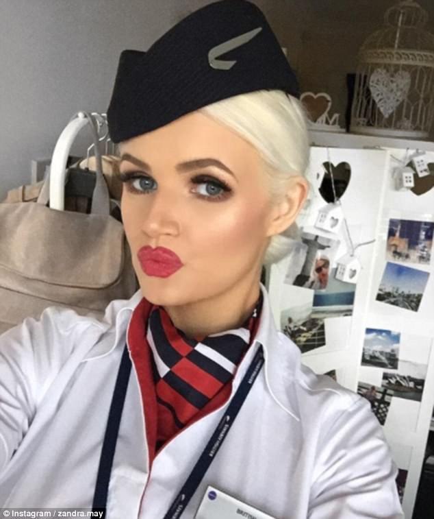 """Cuộc sống """"vạn người mê"""" của các nữ tiếp viên hàng không nóng bỏng - 5"""