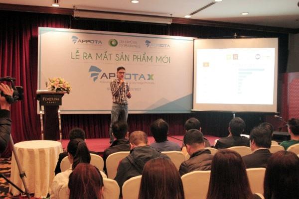 Ông Trần Quốc Toản, CEO Công ty CP Adsota giới thiệu về sản phẩm.