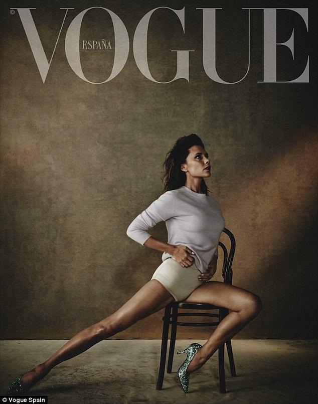 Victoria Beckham lả lơi khoe dáng trên tạp chí Vogue - 2