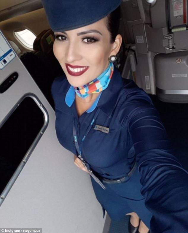 """Cuộc sống """"vạn người mê"""" của các nữ tiếp viên hàng không nóng bỏng - 9"""