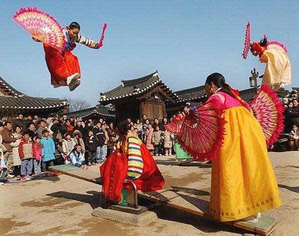10 nước đón Tết âm lịch giống Việt Nam
