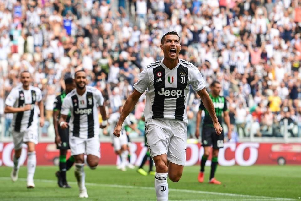 """C.Ronaldo có thể bừng sáng để dìu Juventus qua """"cơn mê""""?"""