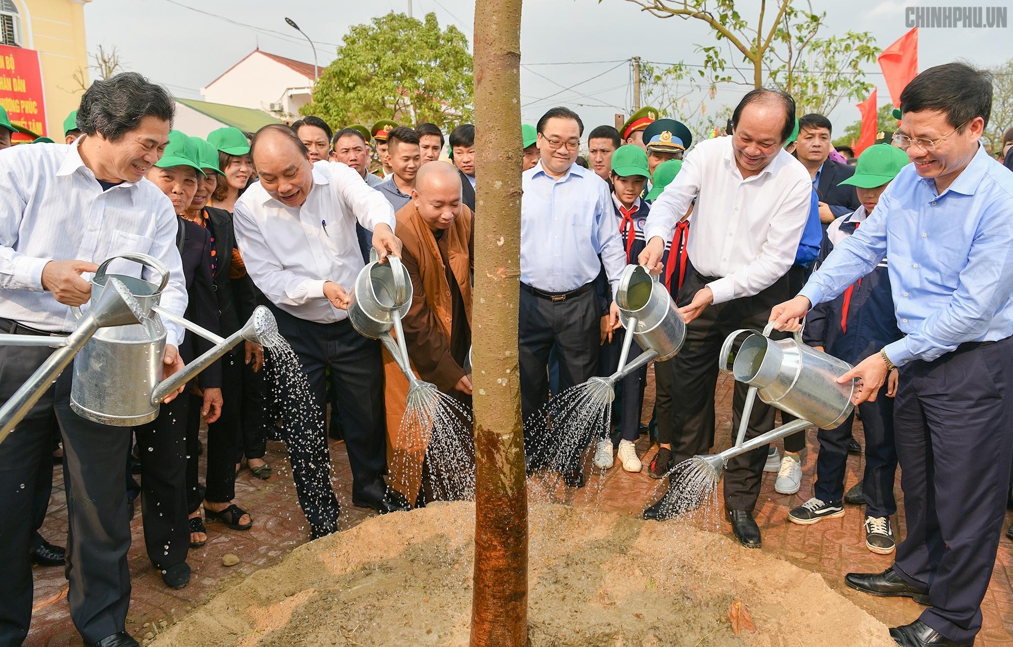 Thủ tướng mong Hà Nội có 4 mùa hoa nở