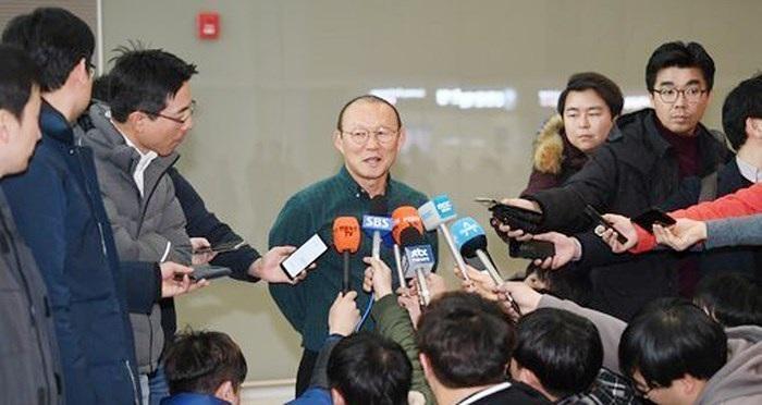 Thầy Park nói về mục tiêu giành HCV SEA Games trên báo Hàn Quốc