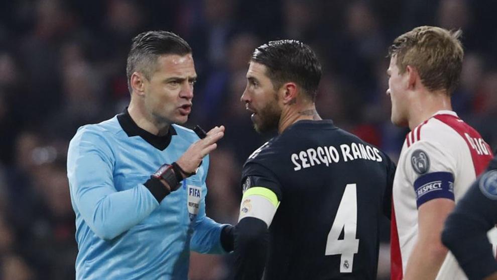 Sergio Ramos trả giá đắt vì tẩy thẻ ở Champions League