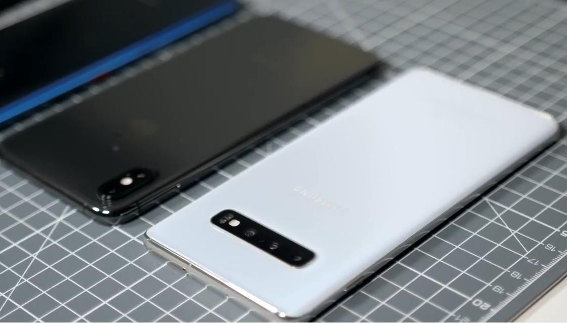 Đọ thời lượng pin Galaxy S10+ với loạt smartphone đình đám