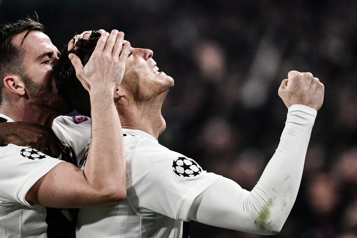 """C.Ronaldo: Kẻ """"bất tử"""" với thời gian, đi tìm điểm tới hạn"""