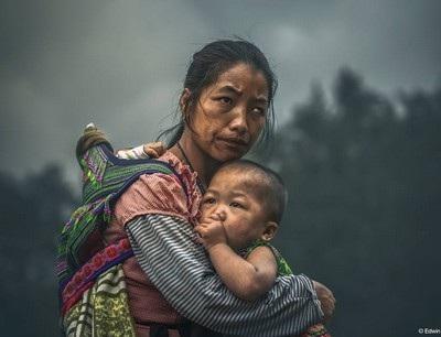 """Bức chân dung mẹ con dân tộc H""""Mông đạt giải thưởng nhiếp ảnh quốc tế danh giá"""