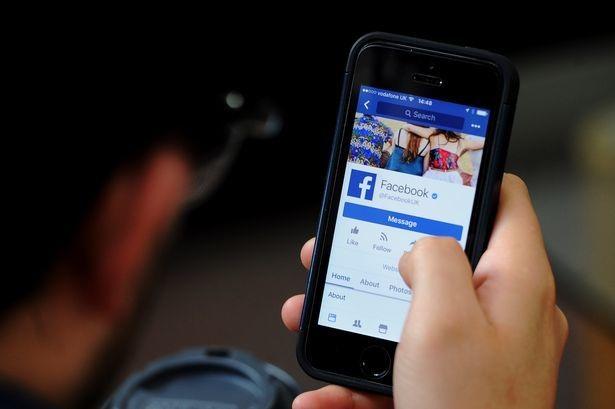 """Hàng chục ngàn USD tiền quảng cáo """"bốc hơi"""" do Facebook gián đoạn"""
