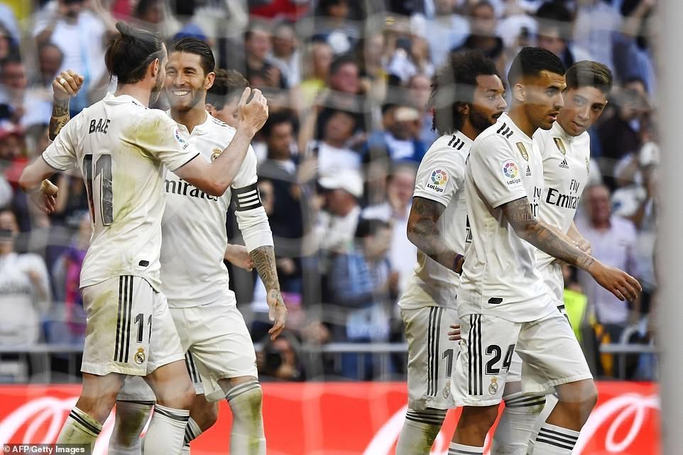 Isco và Bale giúp HLV Zidane tái xuất hoàn hảo ở Real Madrid