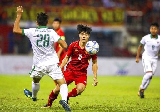 HLV Park Hang Seo chọn Công Phượng hay Văn Quyết cho U22 Việt Nam?