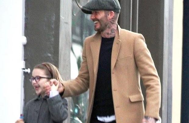 David Beckham đưa con gái đi mua sắm