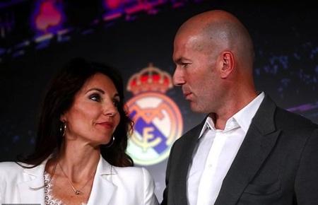 HLV Zidane hạnh phúc kỷ niệm đám cưới bạc cùng bà xã xinh đẹp