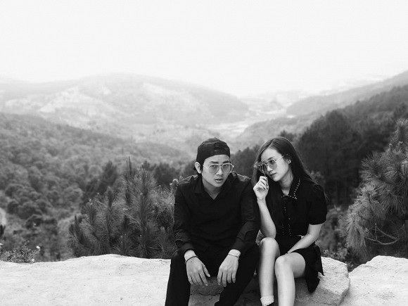Hoài Lâm bất ngờ xuất hiện cùng bạn gái sau thời gian