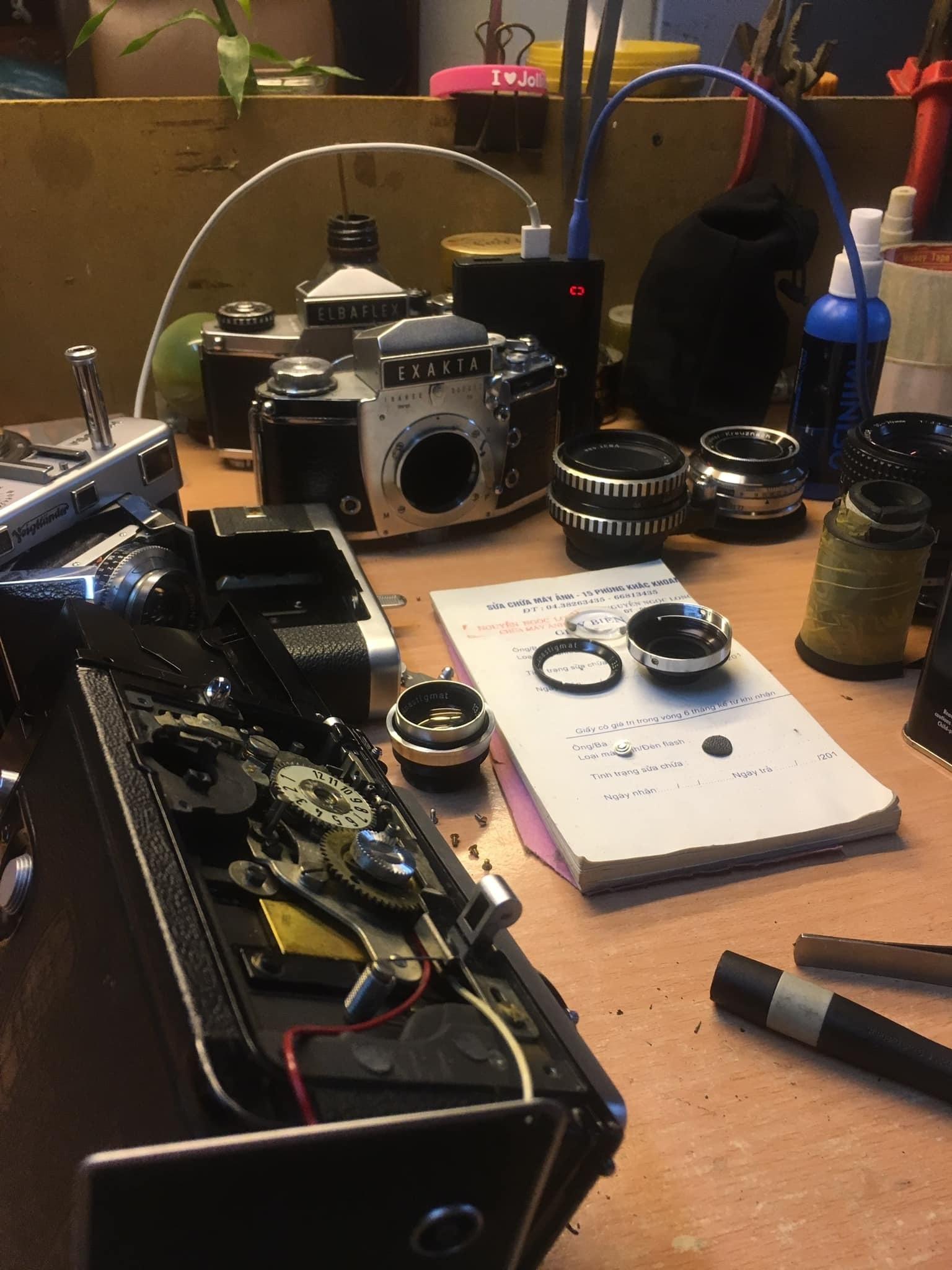 Nghệ nhân 4 đời sửa máy ảnh ở Hà Nội trải lòng về nghề xoay vặn - 4
