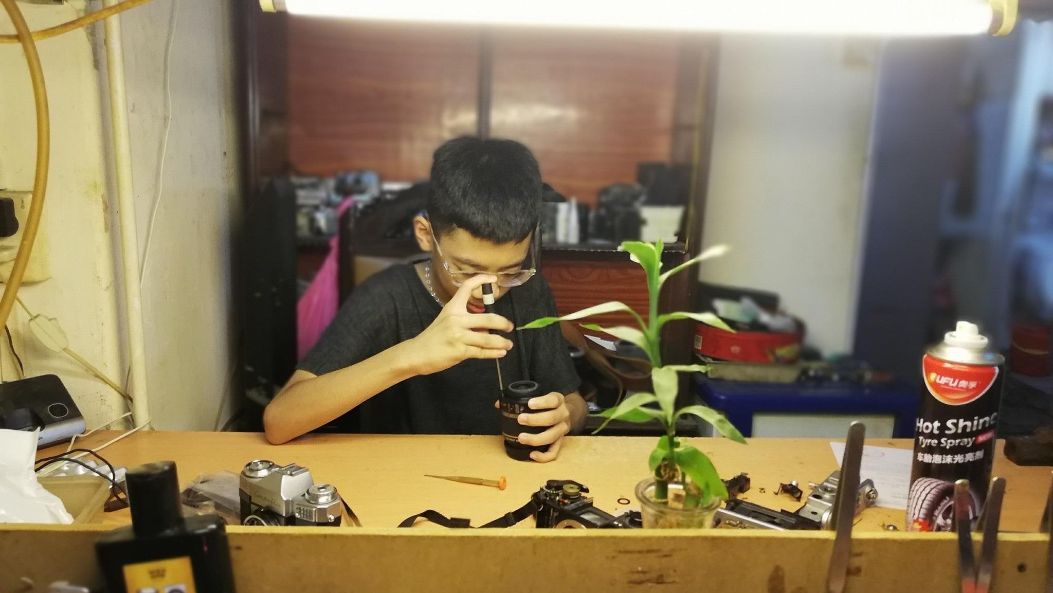 Nghệ nhân 4 đời sửa máy ảnh ở Hà Nội trải lòng về nghề xoay vặn - 9