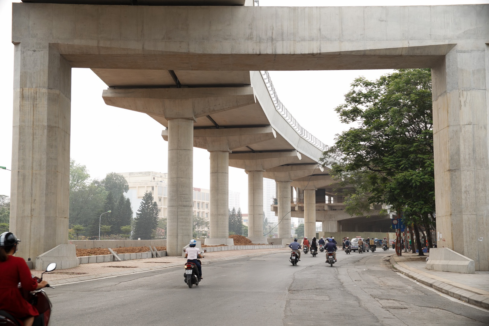 Metro Nhổn - ga Hà Nội thành hình đường trên cao xuyên qua phố phường Thủ đô - 13